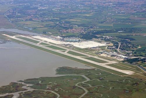Venetsian Marco Polo lentokenttä