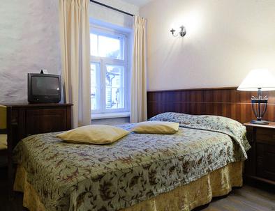 Standard yhden hengen huone Hotel Taanilinna Tallinna