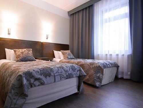 Perhehuone Santa Barbara Hotell Tallinna