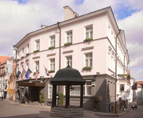 St Petersbourg Hotel Tallinna julkisivu