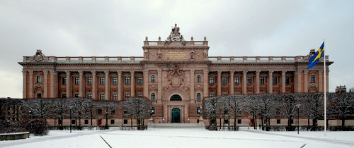 Ruotsin valtiopäivätalon Norrbron puolinen julkisivu Tukholma