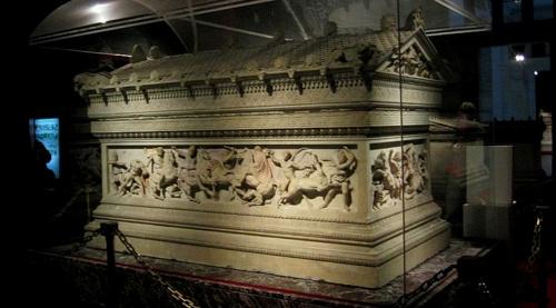 Aleksanterin sarkofagi Istanbulin arkeologinen museo
