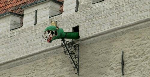 Lohikäärmeenpää gargoili Tallinnan raatihuone