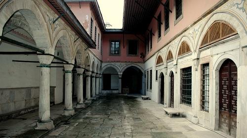 Sulttaanin jalkavaimojen sisäpiha Topkapin palatsi Istanbul