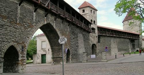 Vanhankaupungin muuri ja torni Tallinna