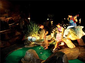 Dino Park minigolf Karon Beach Thaimaa