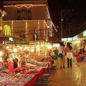 Yömarkkinat Chiang Mai Thaimaa