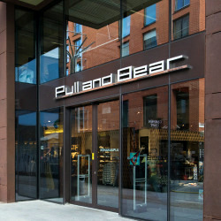 Pull and Bear vaatekauppa Rotermann Tallinna