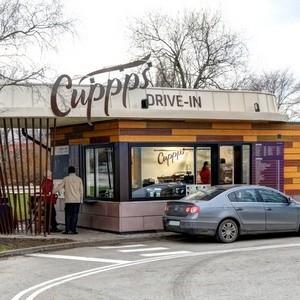 Cuppps Drive-in kahvila Tallinna