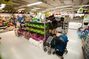 Megaeläin myymälä Itis Helsinki