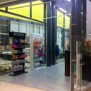 Ekasalongit parturi-kampaamo Kauppakeskus Kaari Helsinki
