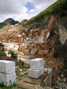 Carraran marmorikaivos Italia