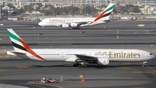 Emirates lentoyhtiö Dubai