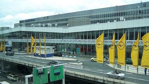 Frankfurt lentokenttä terminaali 1