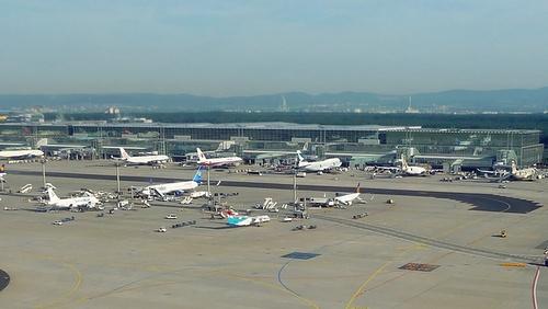 Frankfurt lentokenttä terminaali 2