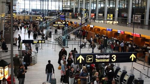 Rooman lentokenttä terminaali 3