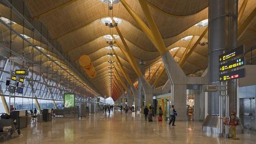 Madrid-Barajas lentoaseman terminaali 4