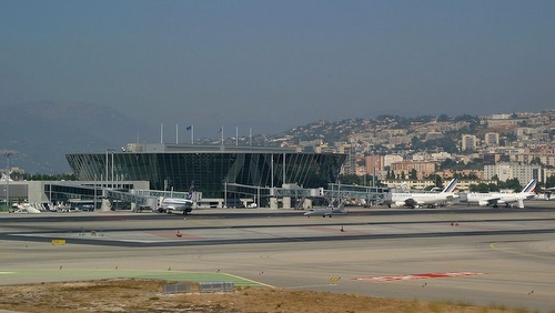 Nizzan lentoasema terminaali