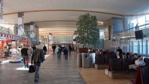 Oslon lentokentän matkustajaterminaali