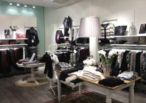 JOY Täby Centrum Tukholma vaatekauppa