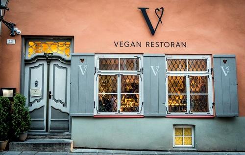 Vegan Restoran V vegaaniravintola Tallinna.