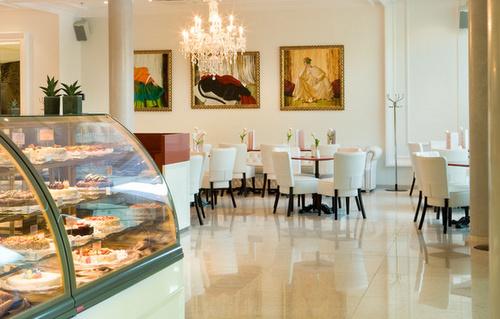 Cafe Mademoiselle Meriton Grand Conference & Spa Hotel