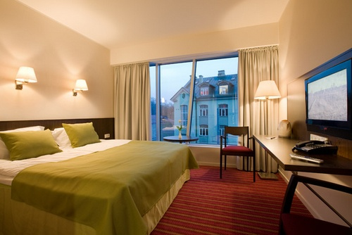 Meriton class huone Meriton Grand Conference & Spa hotelli