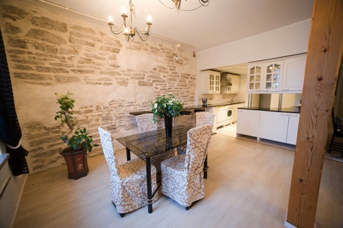 Vanhankaupungin kahden makuuhuoneen Deluxe asunto saunalla OldHouse Apartments