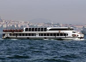 Sehir Hatlari lautta Bosporinsalmen risteily Istanbul