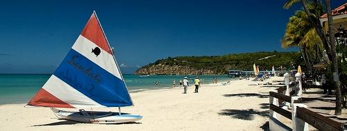 Antiguan saaren Dickinson Bayn ranta