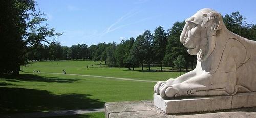 Drottningholmin linnan englantilaiset puutarhat