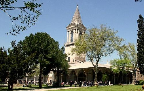 Oikeustorni Topkapin palatsi Istanbul