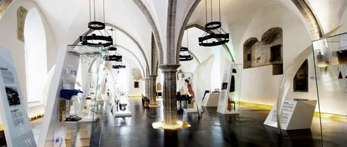 Selviytymisen henki 11000 vuotta Viron historiaa näyttely Tallinna