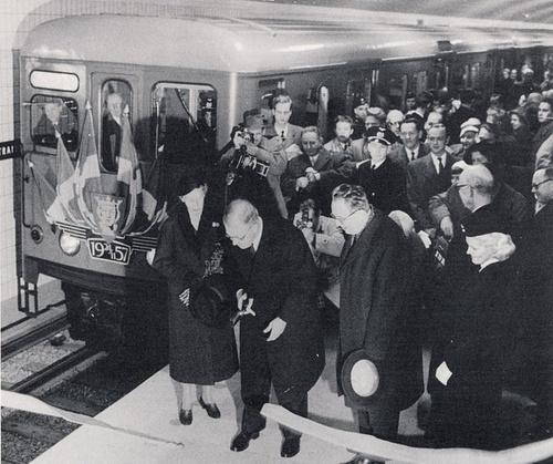T-Centralen aseman avaus vuonna 1957 Tukholman metro