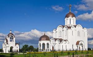 """Jumalansynnyttäjän """"Joutuisa auttaja"""" ikonin Tallinnan kirkko"""