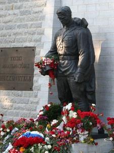 Pronssisoturi patsas Tallinna