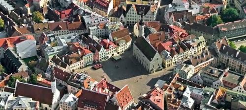 Raatihuoneentori Tallinna