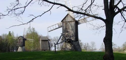 Tuulimyllyt Viron ulkoilmamuseo Tallinnassa
