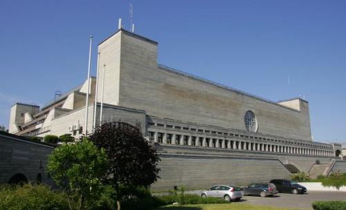 Viron kansalliskirjasto Tallinnassa
