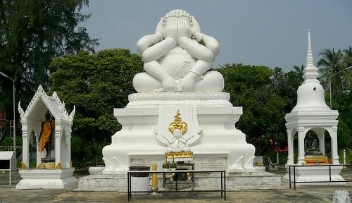 Cha Am Neranchararamin Buddha patsas Thaimaa