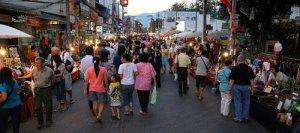 Chiang Mai kauppakatu Thaimaa