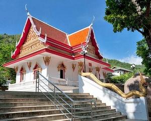 Kata Beach buddhalainen temppeli Thaimaa
