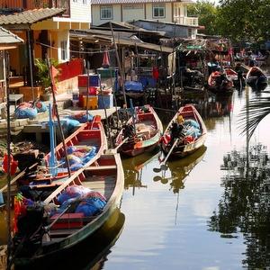 Khanomin veneitä Thaimaa