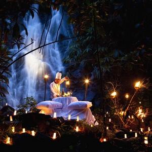 Sarojin illallinen Pakweep vesiputous Khao Lak Thaimaa