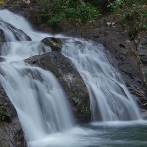 Vesiputous Khao Lak Thaimaa