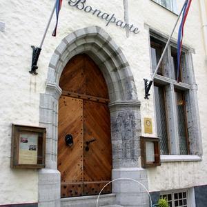 Bonaparte ranskalainen ravintola Pikk 45 Tallinna