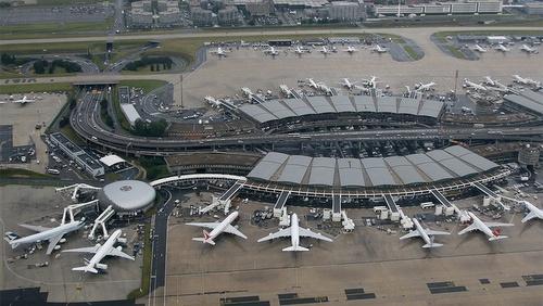 CDG lentokenttä Pariisi terminaali 2A ja 2B