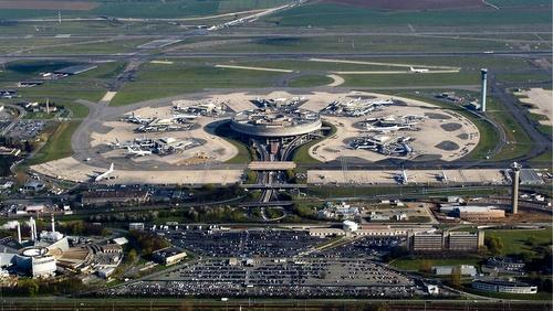 Charles de Gaullen lentokenttä Pariisi terminaali 1