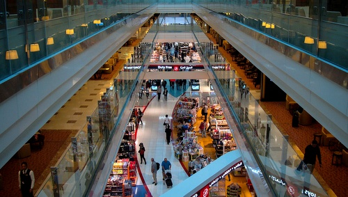 Dubain lentokentän ostosalue - Asemahalli A