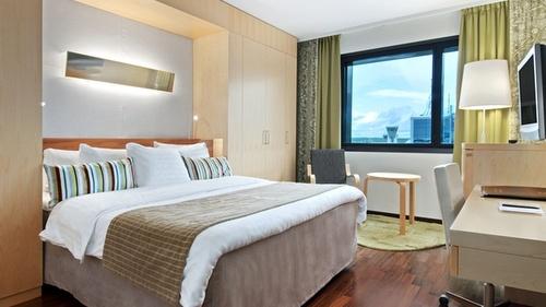Hilton Helsinki Airport King Room hotellihuone